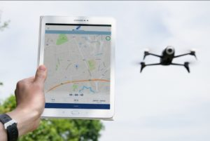 Die DFS Drohnen-App zeigt Flugverbotszonen am Standort an