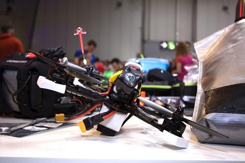 Drohne vor einem Wettkampf (Foto: Dronemasters/Frank Wernecke)