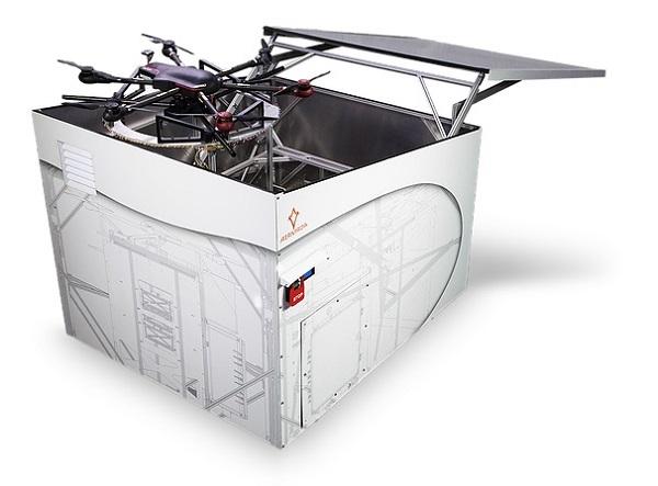 Drohne in der Kiste (Foto: AIRMADA)