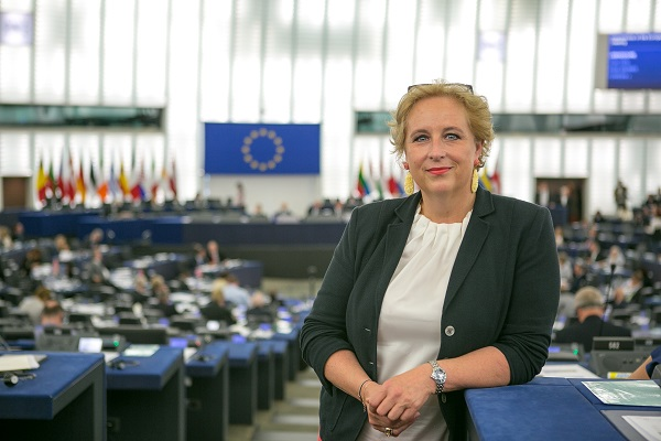 Mag. Claudia Schmidt (ÖVP) ist Mitglied des Europäischen Parlaments (Foto: © Lahousse, EVP-Fraktion im europäischen Parlament)