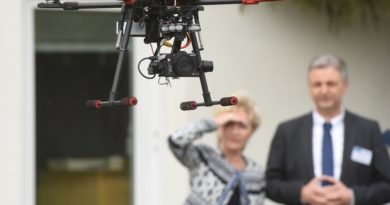 Ministerin für Landwirtschaft und Infrastruktur, Birgit Keller, auf einer Tagung der Agrar- und Forstverwaltung zur Drohnentechnologie am 18. Mai 2016 in Jena. (Fotos: TMIL, Martin Gerlach)