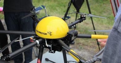 Multicopter beim Drohnen-Marathon Quelle: service-drone.de