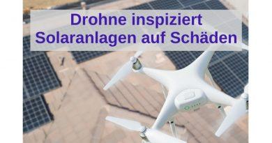 Drohne inspiziert Solaranlagen